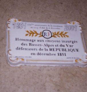 La plaque de la commémoration de 2001 à Ste Croix (photo Jean-Marie Guillon)